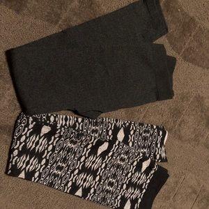Set of 2 Leggings Black White Grey Tribal Aztec
